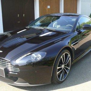 Folie & Versiegelung für Aston Martin Vantage